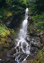 Waterfall along the Heliotrope Ridge trail